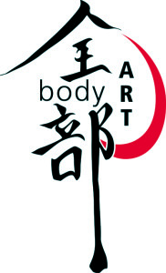 aaa_bodyart-logo-neu 100dpi schwarz_rot